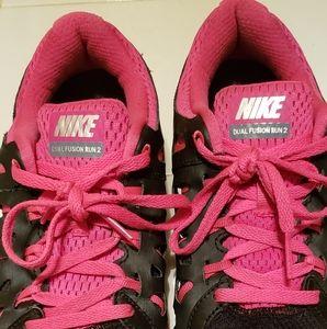 Nike Dual Fusion 2